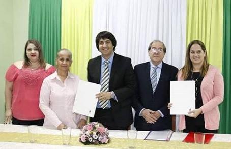 Firma de convenio con IE Intercultural Experience