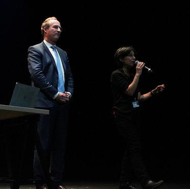 Christian Merlin et Sara Yalda, complices depuis huit ans des « Musicales », un cycle de 20 conférences par saison, qui déchiffre la musique, le mardi à 12h30, au théâtre des Mathurins.