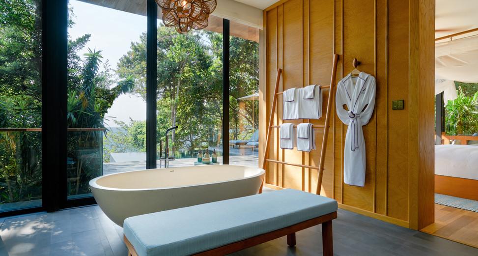 Hideaway_Pool_Villa_Suite_bathroom_[8407