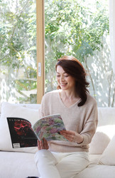 img-reading-magazine-1.jpg