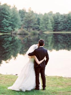 Lakefront Poconos wedding venue