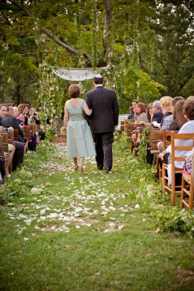 Poconos outdoor wedding ceremony
