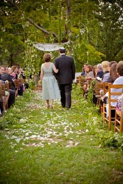Poconos outdoor wedding ceremony