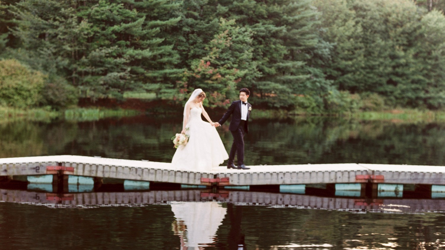 Poconos Waterfront Wedding Venue