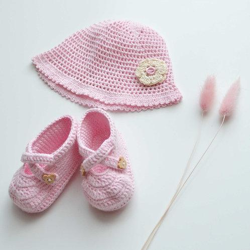 Cappello e scarpe primaverili in cotone biologico lavorato a mano per neonato