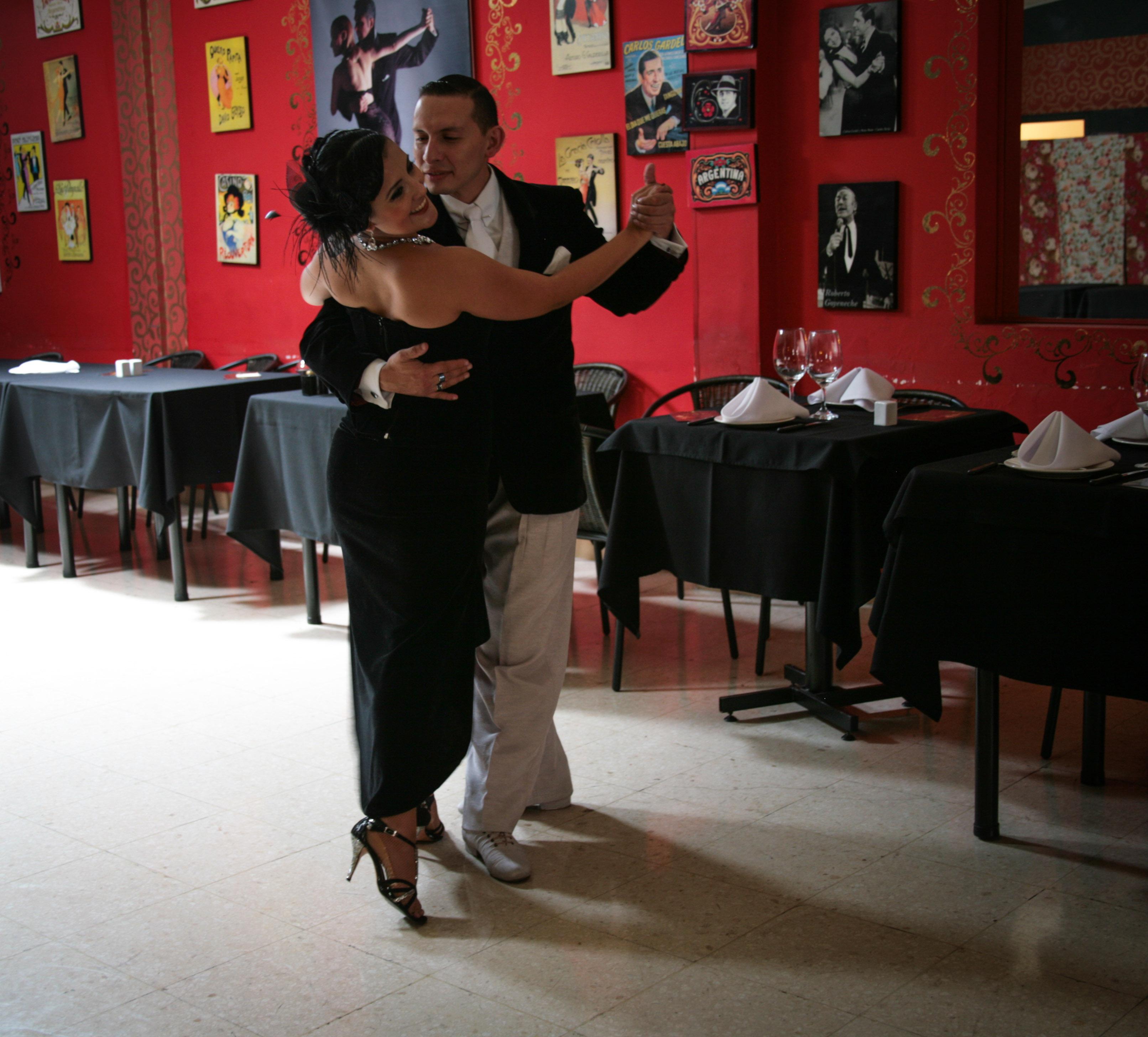 his-tango1-2