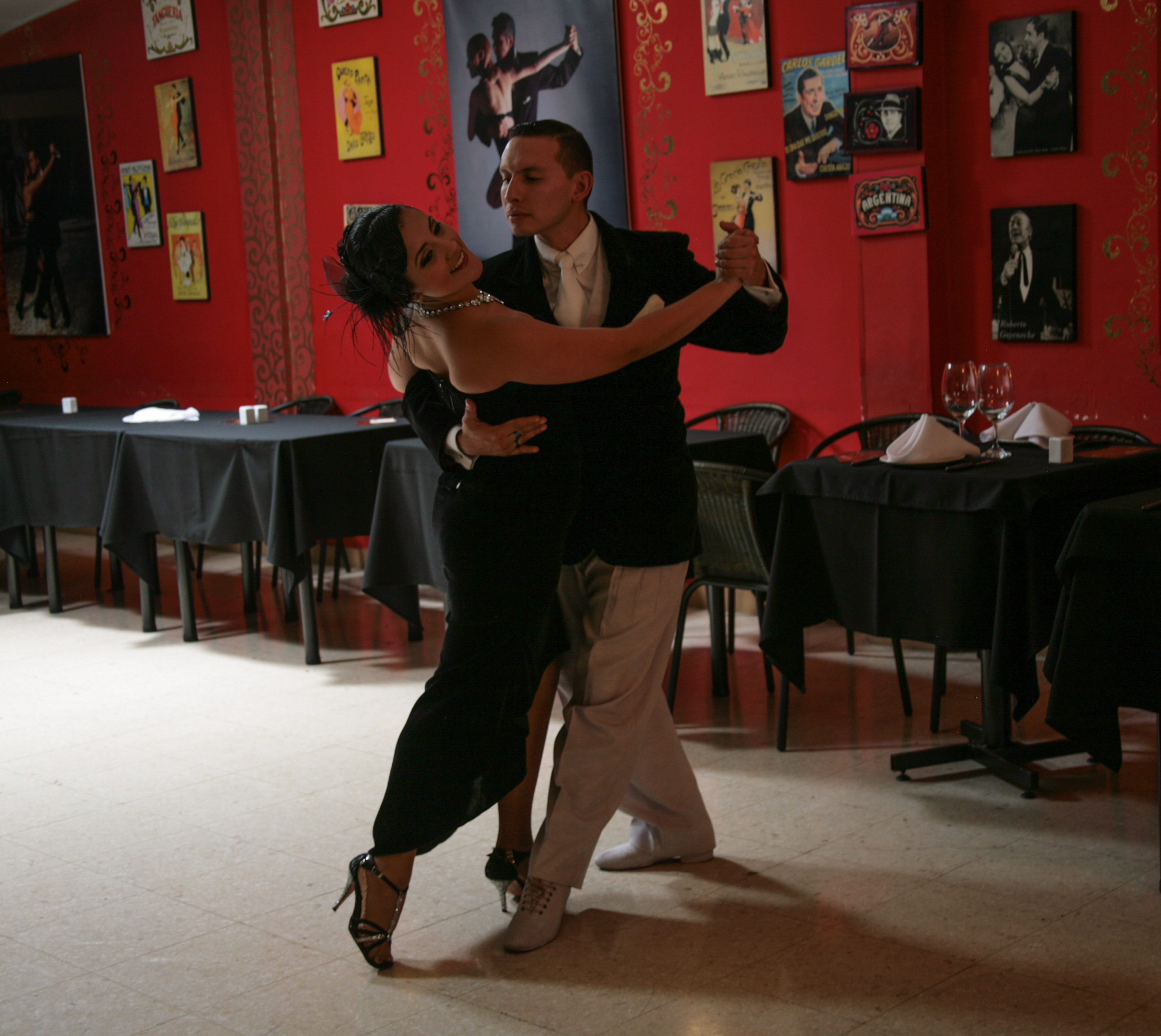 his-tango1-3