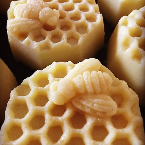 Honey and Chocolate Rub-Bee