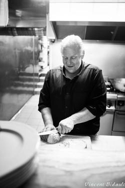 portrait noir et blanc d'un restaurateur du jura: BIDAULT Vincent photographe