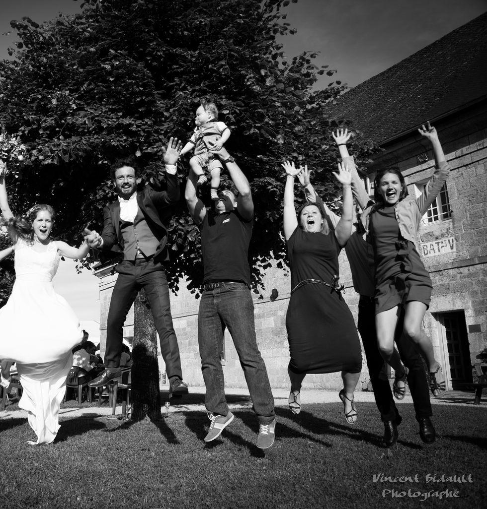 les mariés et famille au fort saint andré