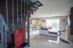 escalier dans une maison à vendre