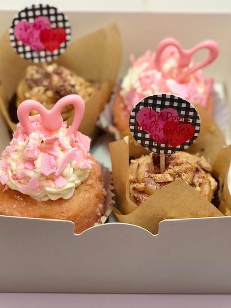 4 Valentines Day Cupcakes