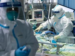 China não registra casos de transmissão local do coronavírus por 24 horas