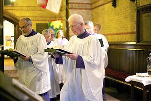 1263 Tom cantwell david webb and choir.j