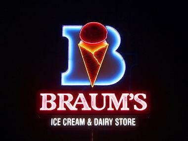 Braum's Ice Cream & Hamurger Restaurant in Dumas, Texas