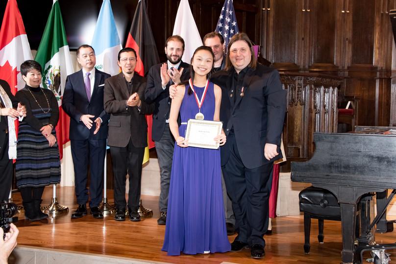 "Judges and Katherine E.Liu - I Prize, Category ""Young Artist"""