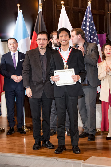 "Judges and Hans-Derek Yu - III Prize, Category ""Young Artist"""