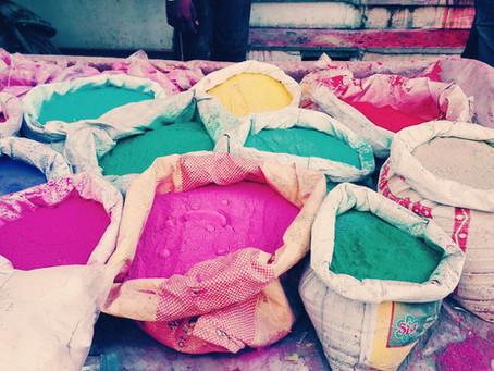 Holi Festival in Indien - der verrückteste Farbenspaß!
