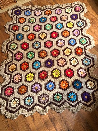 Vintage Beautiful Flower Crochet / Afghan / Knitted Blanket