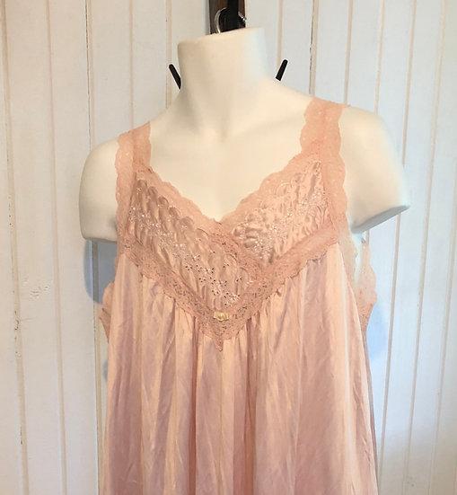 Vintage Rose Vanity Fair Med Night Gown
