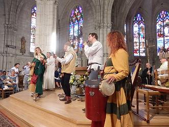 Concert de musique médiévale dans une église pres de Paris