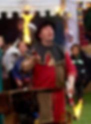 Tommy Stevens le ménestrel jongleur de feu