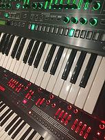 Roland SYSTEM-8(上)Roland JD-XA(下).jpg