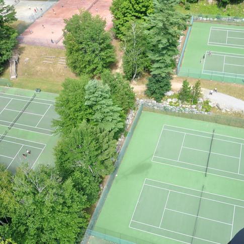 11 Tennis Courts