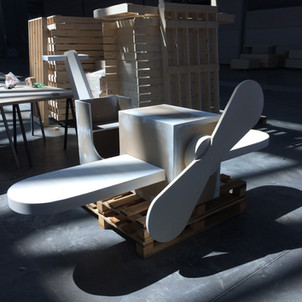 aereoplano con elica rotante