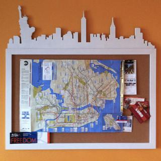 bacheca con skyline NY