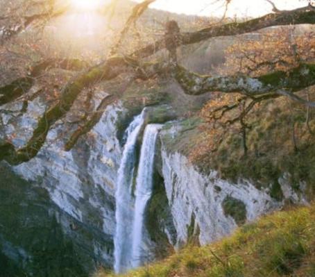 Gujuli. Una Cascada nacida de una leyenda