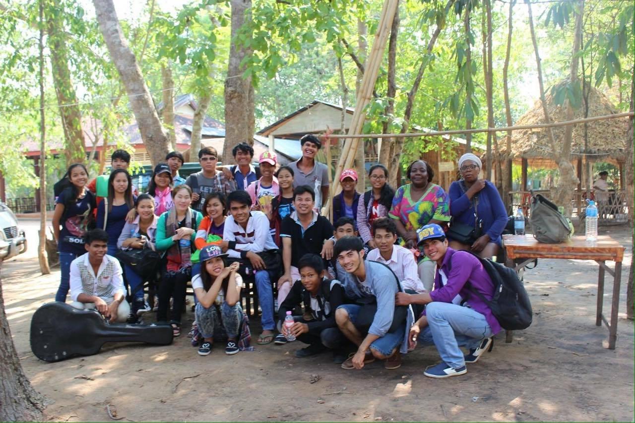 Visite d'orphelinats au Cambodge