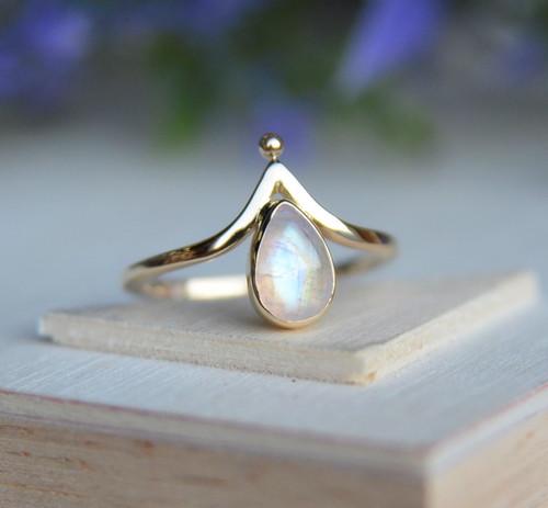 "14K Gold ""V"" Dot rainbow moonstone ring"