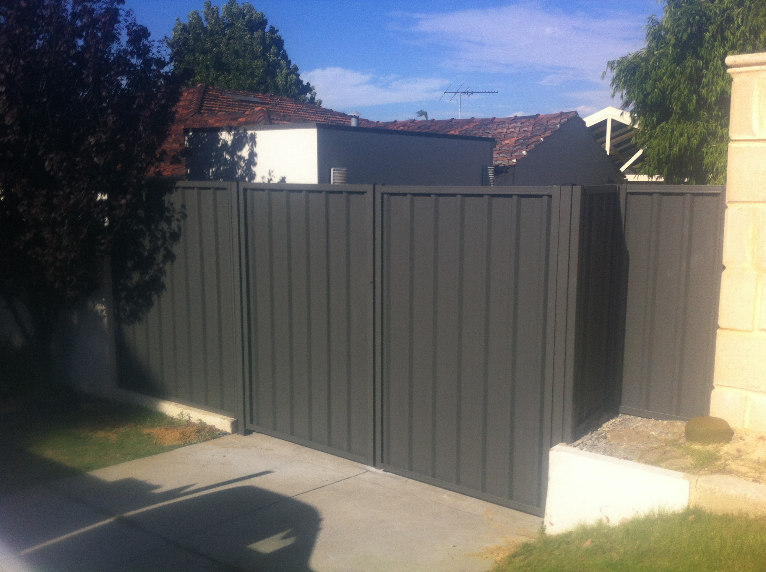 Colorbond Fencing with double gate
