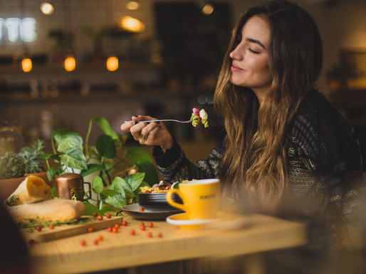 The Difference Between Mindful Eating and Intuitive Eating