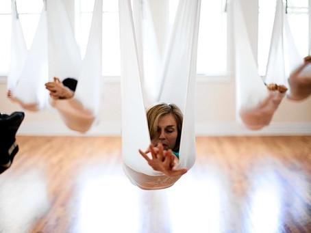 Débuter en yoga avec le yoga aérien? Oui!
