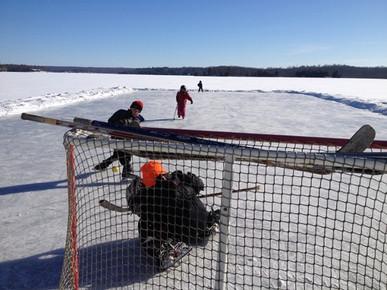 Moms ensure hockey success