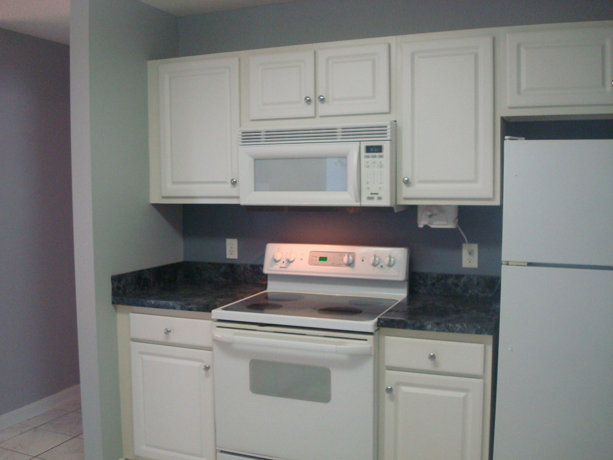 kitchen stove side.JPG