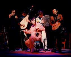 二胡奏者楊興新、音楽の仲間たち