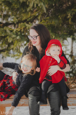 Katyln with her children
