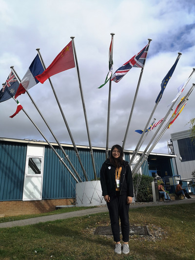 A student joined the Oxford School on Neutron Scattering in U.K.