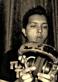 deejaysanto.com
