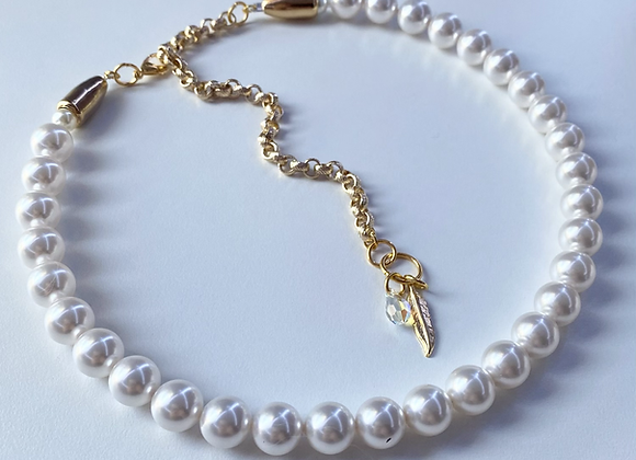 CRYSTAL WHITE Pearl Necklace