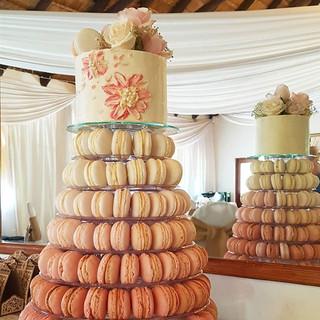 macaron stand