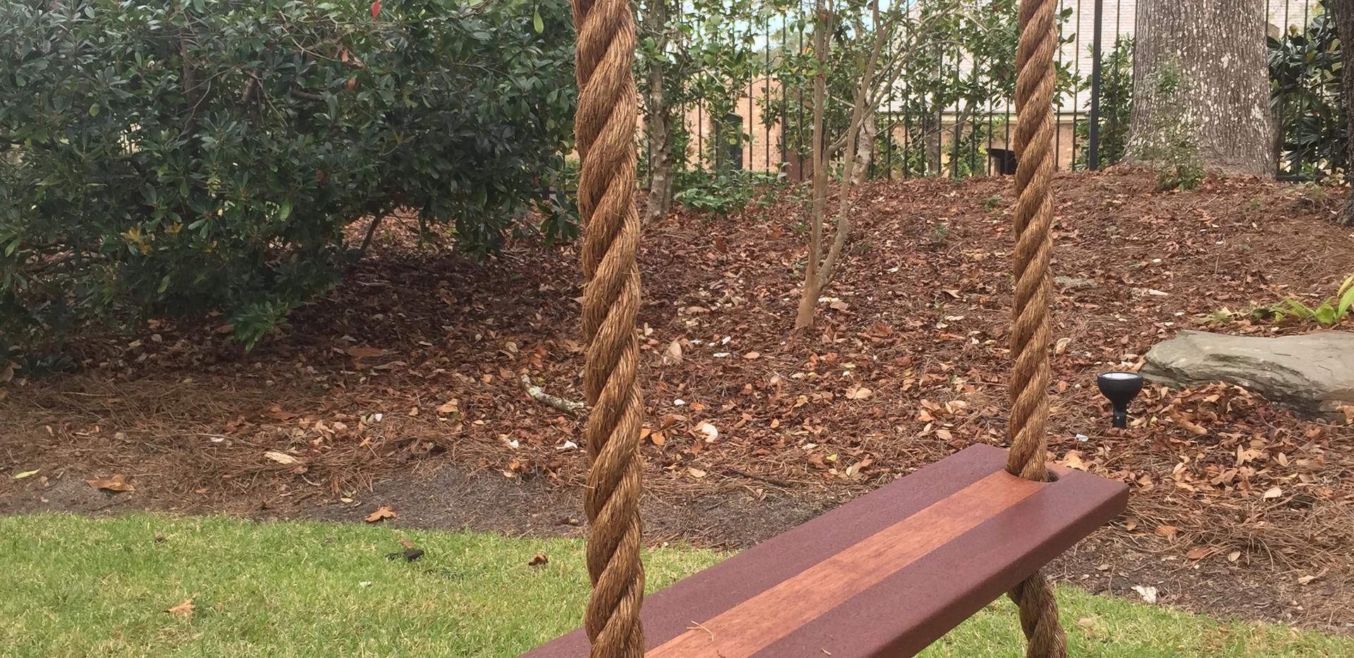 """Mahogany Tree Swing w/ 1 1/2"""" Rope"""