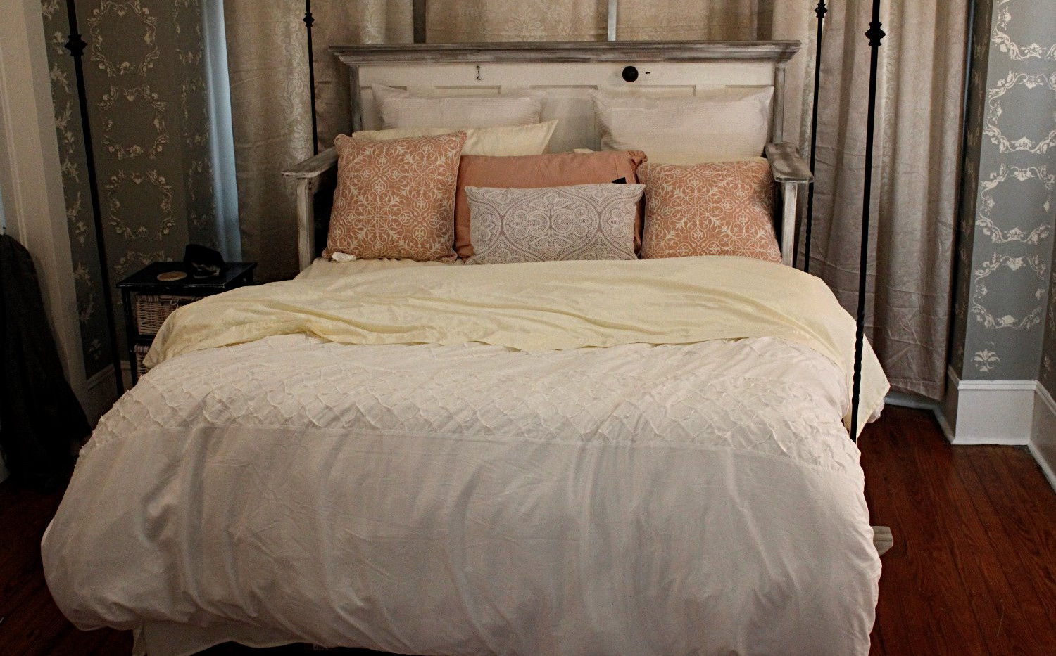 Queen Bed w/Wrought Iron Hangers