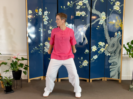 The Delightful Daoyin 12-Movement Qigong