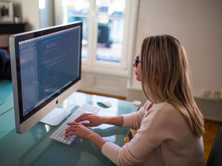 Relación entre la brecha digital y oportunidades en sectores TI