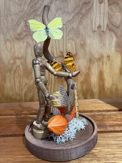 Papillon et personnage dessin