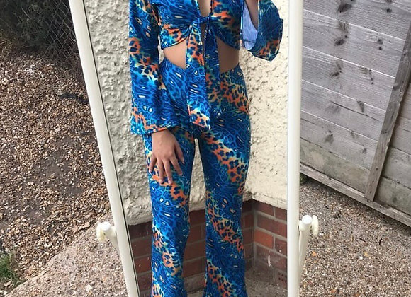 The Bell sleeve tie top & highwaisted flares set